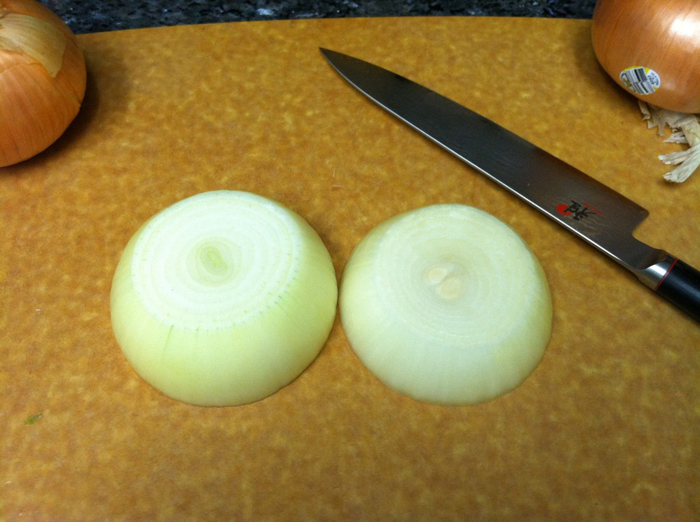 how to cut an onion for big slices and onion rings