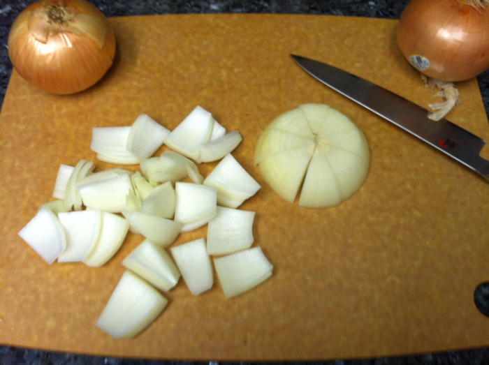 how to cut an onion into large chunks