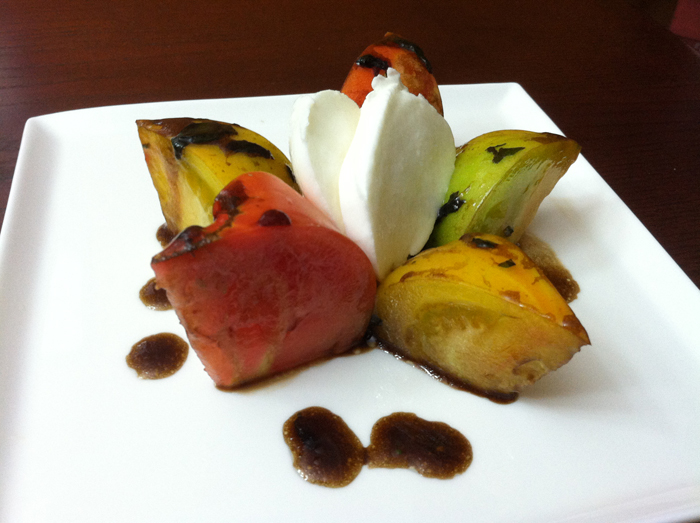 heirloom tomato salad with balsamic vinagrette