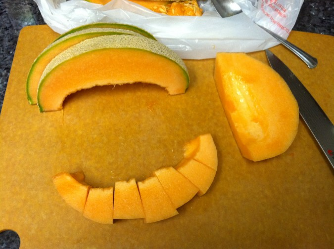 how to cut a cantaloupe 5