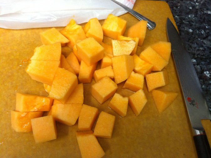 how to cut a cantaloupe 6