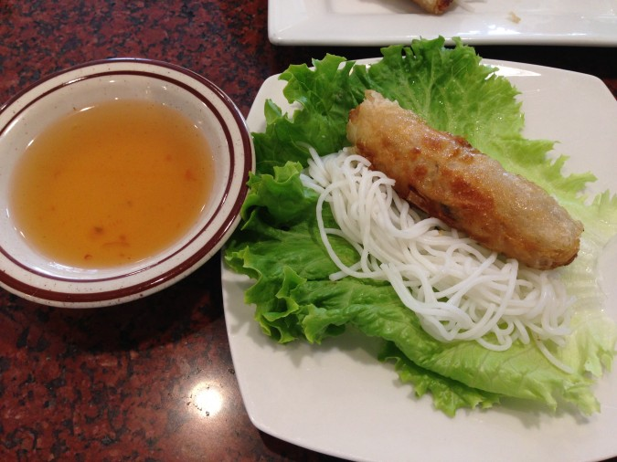 thanh my restaurant how to eat their egg roll